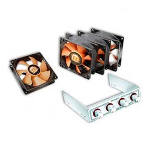 Fan Kit Thermaltake 8025. 4 vent de 80x80 con regulador